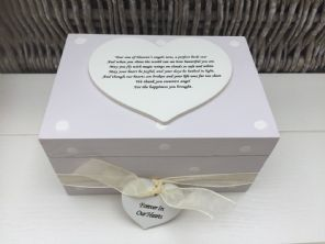 Shabby Personalised Chic In Memory Of A Loved One ~ Any Name ~ Memory Box ~ - 332367747570